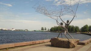 Какие скульптуры подарили Петрозаводску его города-побратимы?