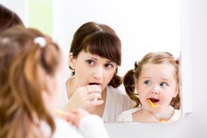 Помните, что зубы беречь надо смолоду!