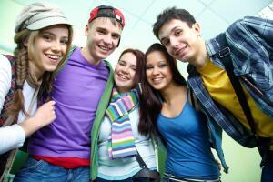 Работа для подростков. Куда можно устроиться на каникулах?