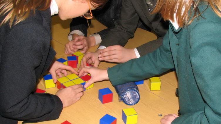 Детишки другие, а куб Линка тот самый