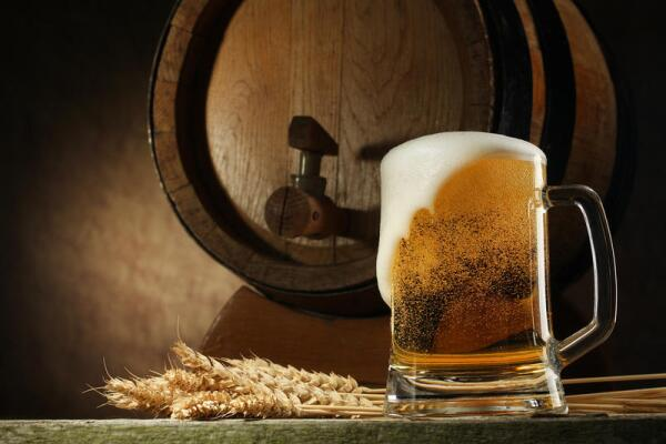По кружечке рижского пива - до чёртиков? Дайте три!