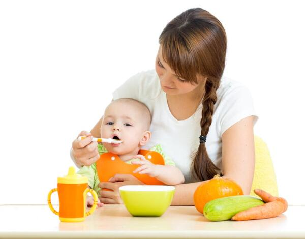 Как выбрать безопасную детскую посуду?