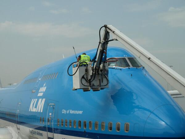 Подготовка Boeing 747 к вылету (аэропорт Шипхол, Амстердам)