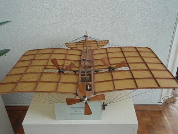 Модель самолёта А. Ф. Можайского в Государственном Политехническом музее