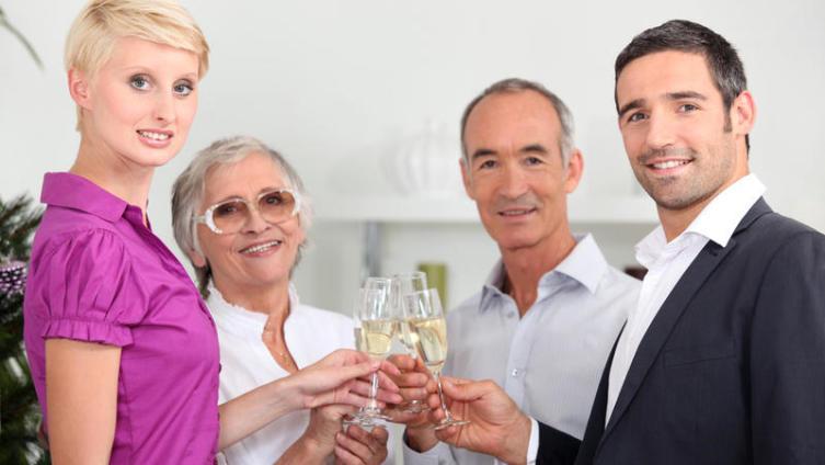 Жизнь пары с родителями: под присмотром или под контролем?