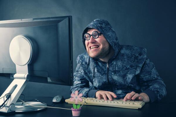 Стоит ли знакомиться в Интернете?