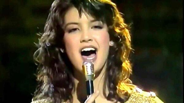 Кто написал и исполнил песню «Paradise»? Ко дню рождения Фиби Кейтс