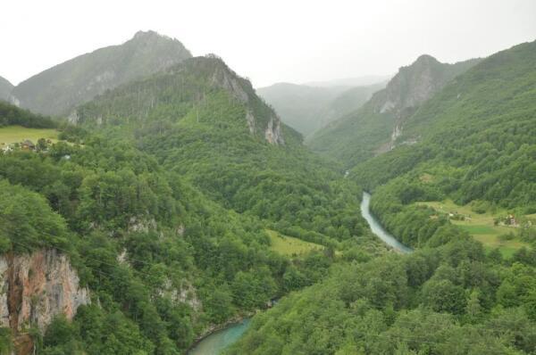 Черногория. Черные вершины её гор