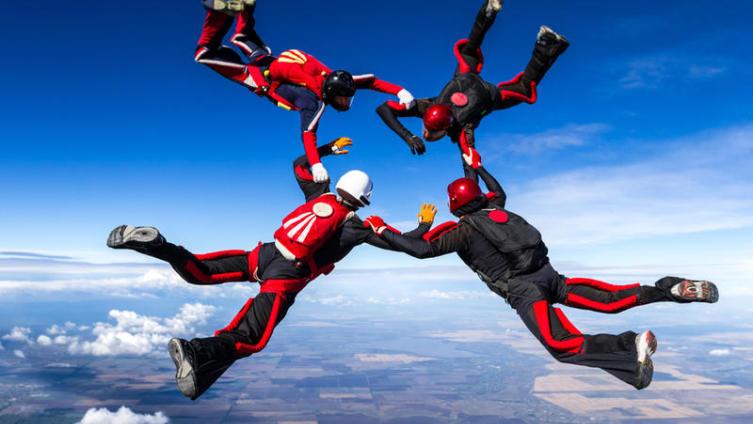 Шаг в небо… Как прыгнуть с парашютом?