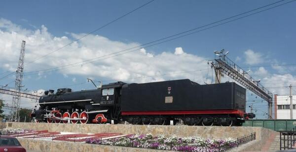 Паровоз ФД20-2697 (вид со стороны автовокзала)