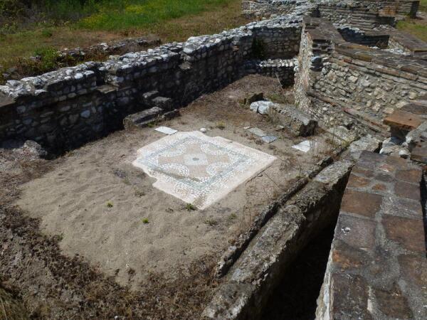 Раскопки Диона