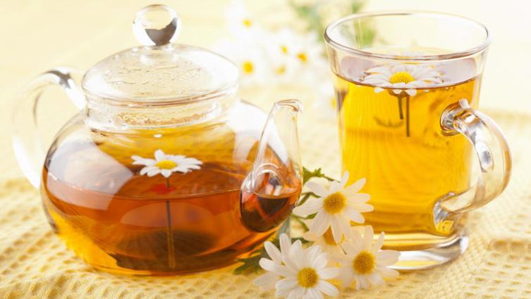 Что пить летом для красоты и здоровья? Травяной чай!