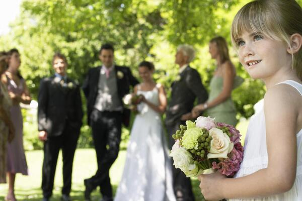 Нужно ли брать с собой на свадьбу детей?
