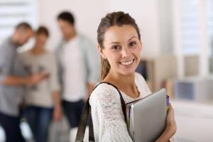 Подаем документы на обучение в вуз или колледж. Как себя правильно вести?