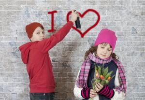 В каком возрасте можно разрешать подросткам ходить на свидания?