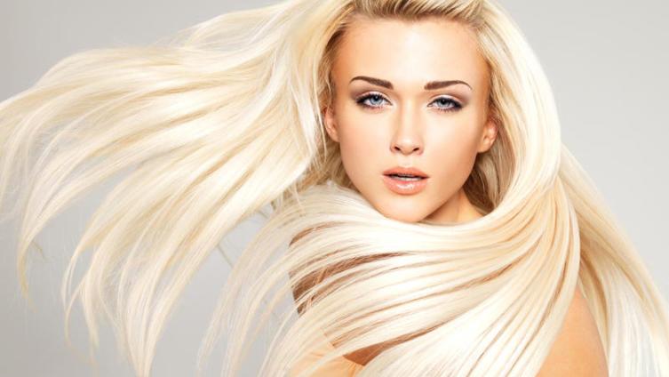 Иногда блондинкой быть удобно...