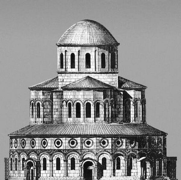 Одна из моделей реконструкции храма - когда-то это было круглое трёхъярусное сооружение