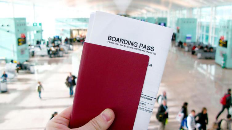 Как отдохнуть за границей без заграничного паспорта? Легко!