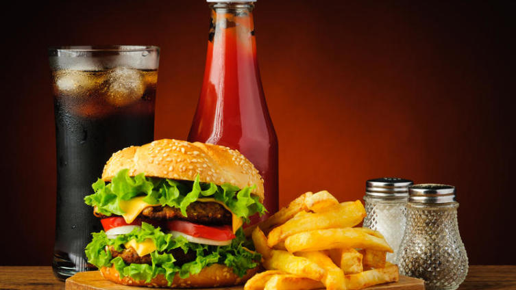 Как приготовить гамбургеры и пончики по-американски?