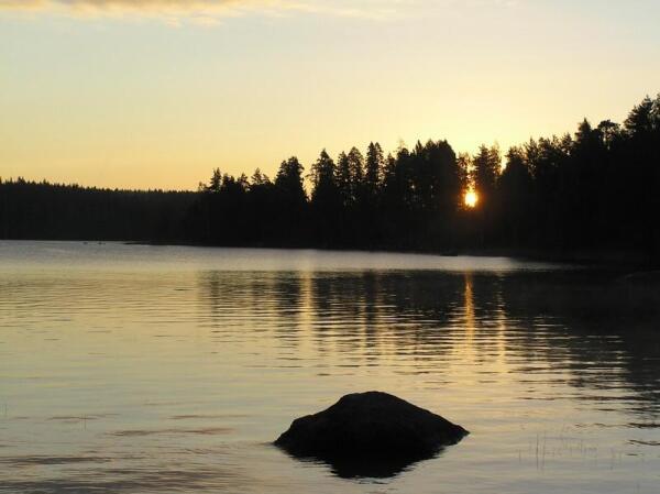 Рассвет на озере Вякевянярви, август 2014