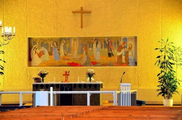Т.Янссон. Роспись алтаря в г. Теува, 1953 г.