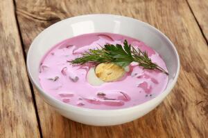 Как приготовить кисломолочный холодник по-польски? Ваше спасение жарким летом