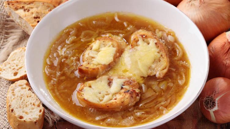 Луковый суп. Как готовят его в Париже?