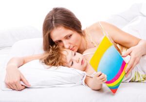 Почему детям нужно читать сказки на ночь?