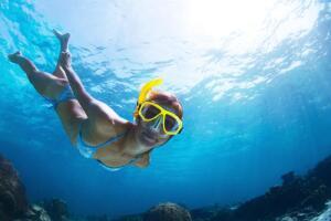 В ваших же интересах внимательно прослушать все, что рассказывает инструктор: в конце концов, от этого будет зависеть ваша жизнь и то удовольствие, которое вы получите (или не получите) от подводного мира.