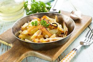 Как приготовить мужское интернациональное блюдо? Жарим картофель «по-русски»