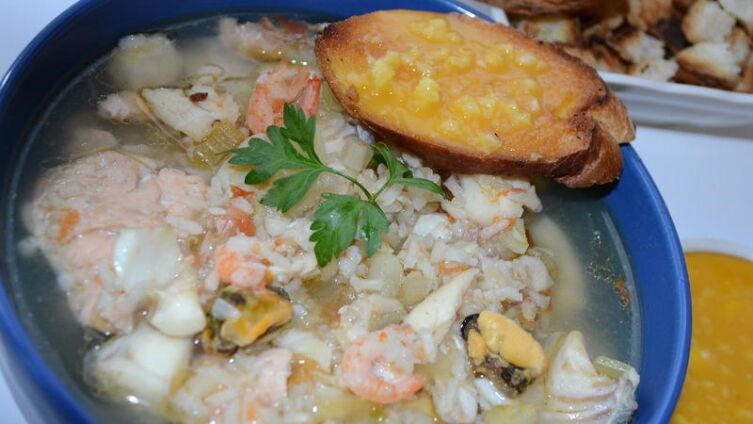 Сухарики с острым соусом Руи – идеальное, проверенное временем дополнение к густому вкусу рыбного супа