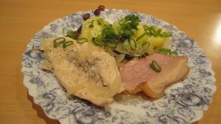 Лучший гарнир к курице по-бельгийски, как на мой взгляд, отварной картофель
