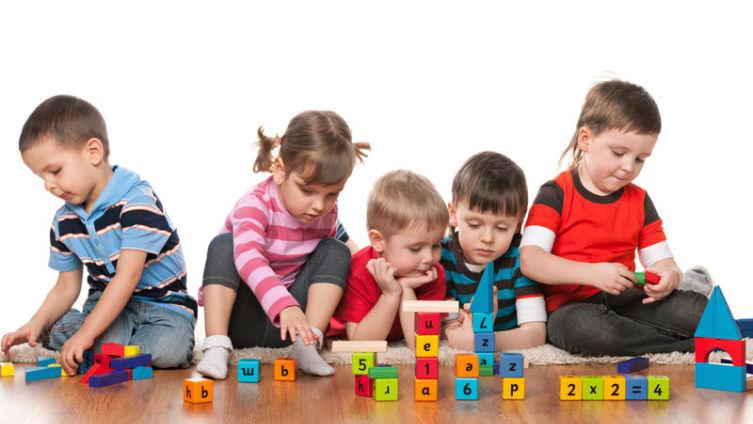 Зачем ребенку нужно посещать детский сад?