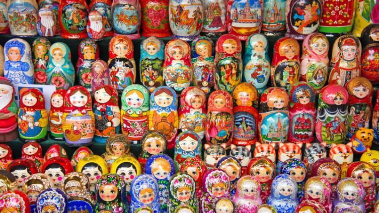 Русская матрёшка - национальный сувенир или детская игрушка?