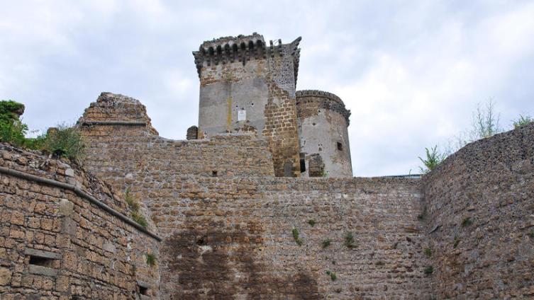Замок Борджиа в Италии