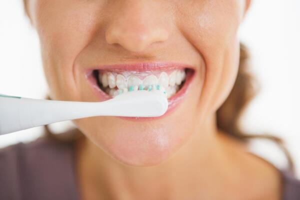 Как появились зубные щетки?