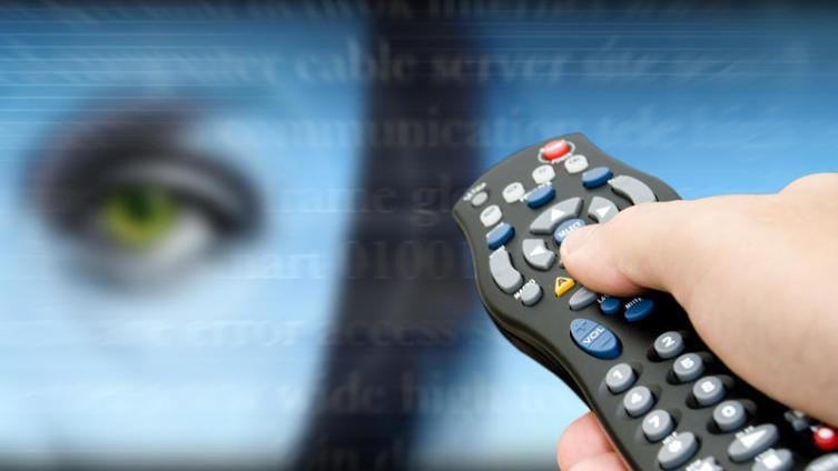 Какие сериалы смотреть с августа 2014 года? «Чужестранка», «Брэддок и Джексон», «Суд присяжных», «В клубе»