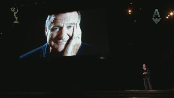 Билли Кристалл  произносит речь-посвящение Робину Уильямсу