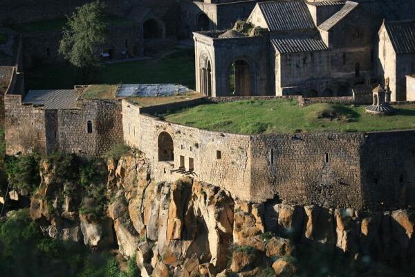 Жилые и служебные помещения монастыря