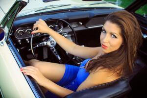 Почему женщина за рулем может оказаться опаснее мужчины?