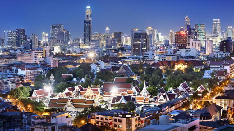 Почему Бангкок называют городом контрастов?