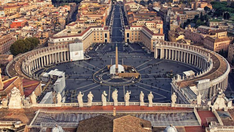 Площадь Сан-Пьетро в Ватикане