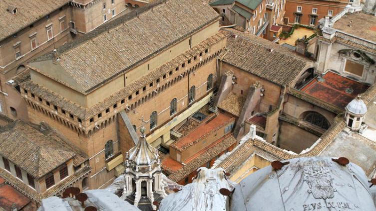 Вид на Сикстинскую капеллу, в которой проводятся конклавы