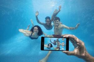 Как снимать под водой на камеру смартфона?