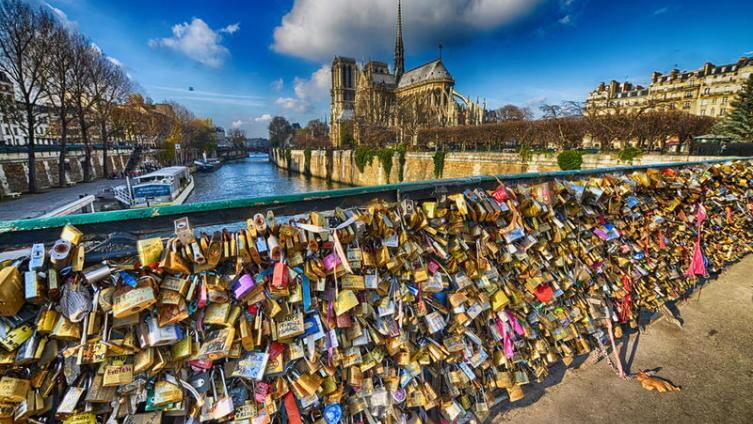 Мостик счастья в Париже