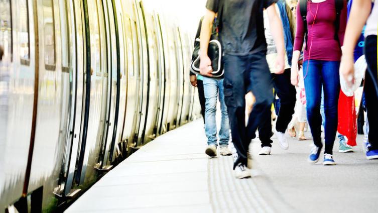 Обман под стук колес. Как сохранить деньги в поезде?