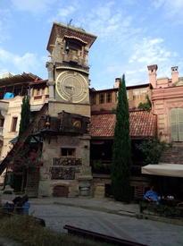 Театр марионеток Резо Габриадзе в Тбилиси