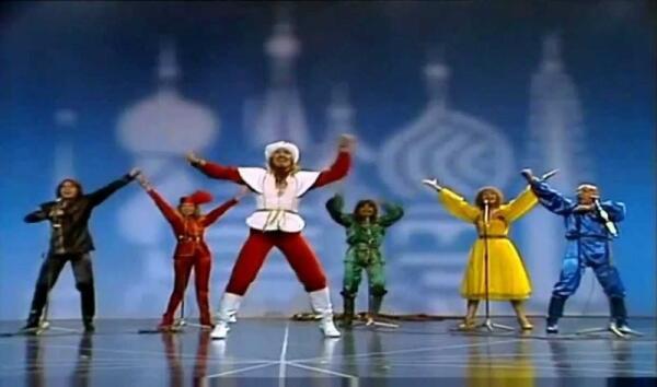 Кадр из видео «Moskau».
