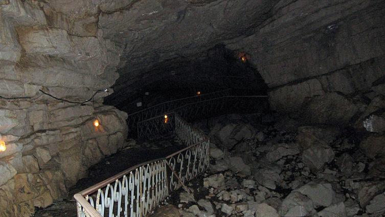 Один из входов в Воронцовскую пещеру