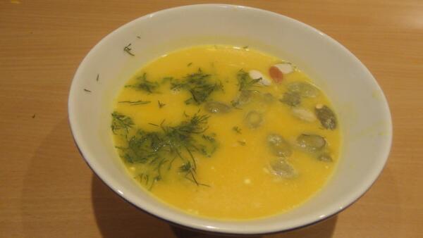 Тыквенный суп - это солнышко в нашем доме. Разлитое по порционным тарелкам...